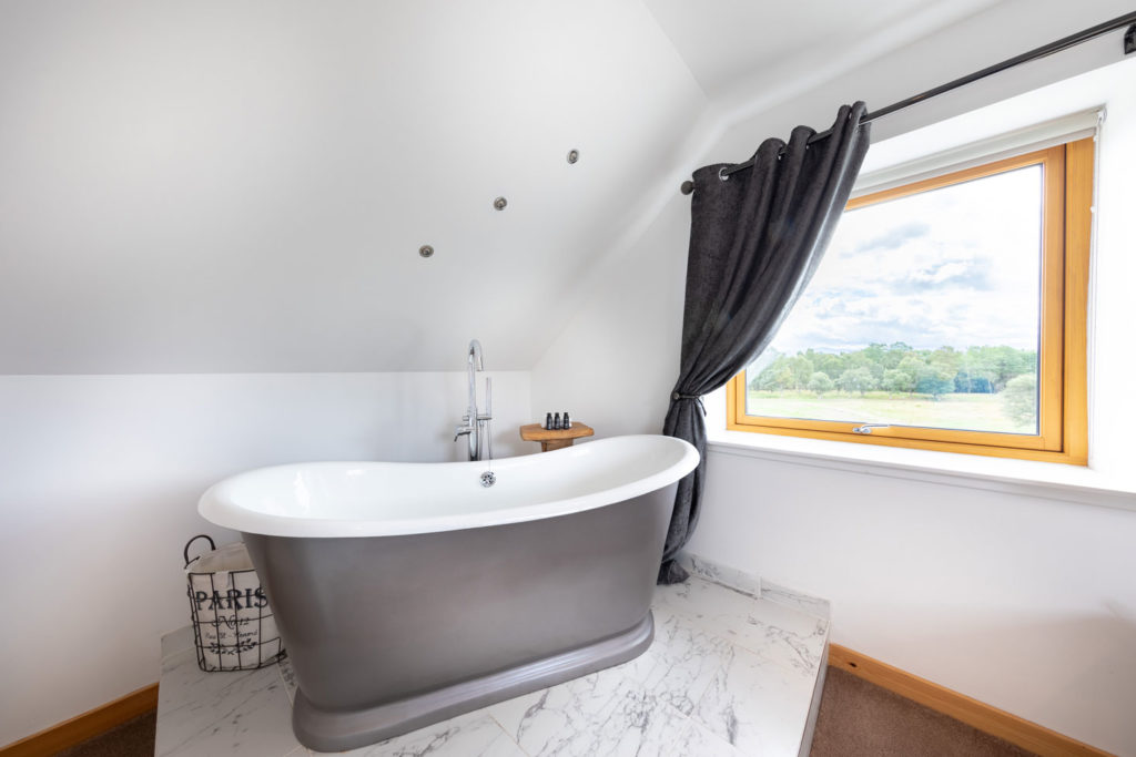 Bedrooms-BigHusky_Luxury-Lodge-Aviemore-19