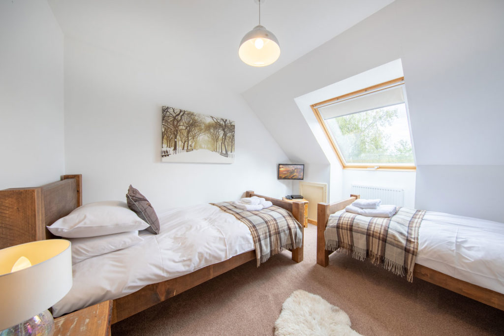 Bedrooms-BigHusky_Luxury-Lodge-Aviemore-24