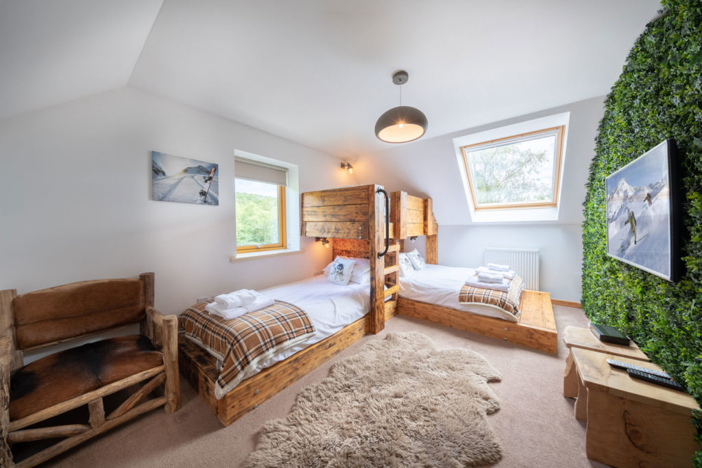 Bedrooms-BigHusky_Luxury-Lodge-Aviemore-25