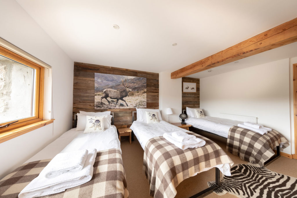 Bedrooms-BigHusky_Luxury-Lodge-Aviemore-30