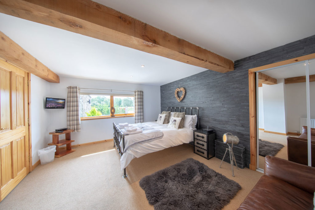 Bedrooms-BigHusky_Luxury-Lodge-Aviemore-34