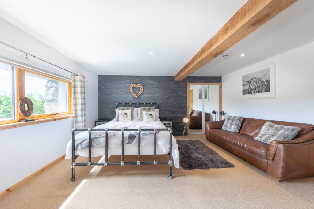 Bedrooms-BigHusky_Luxury-Lodge-Aviemore-35