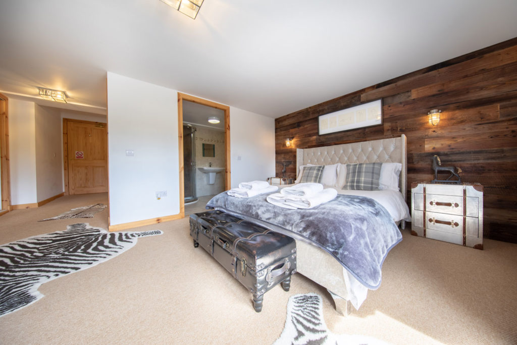 Bedrooms-BigHusky_Luxury-Lodge-Aviemore-44