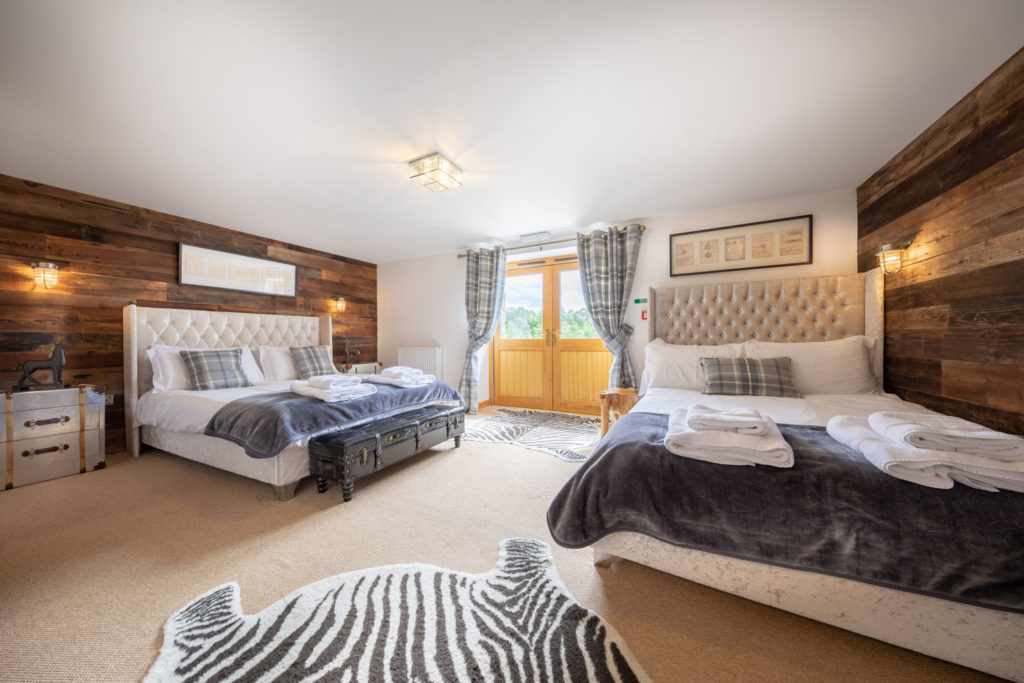 Bedrooms-BigHusky_Luxury-Lodge-Aviemore-46