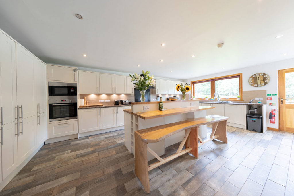 Kitchen-BigHusky_Luxury-Lodge-Aviemore-49