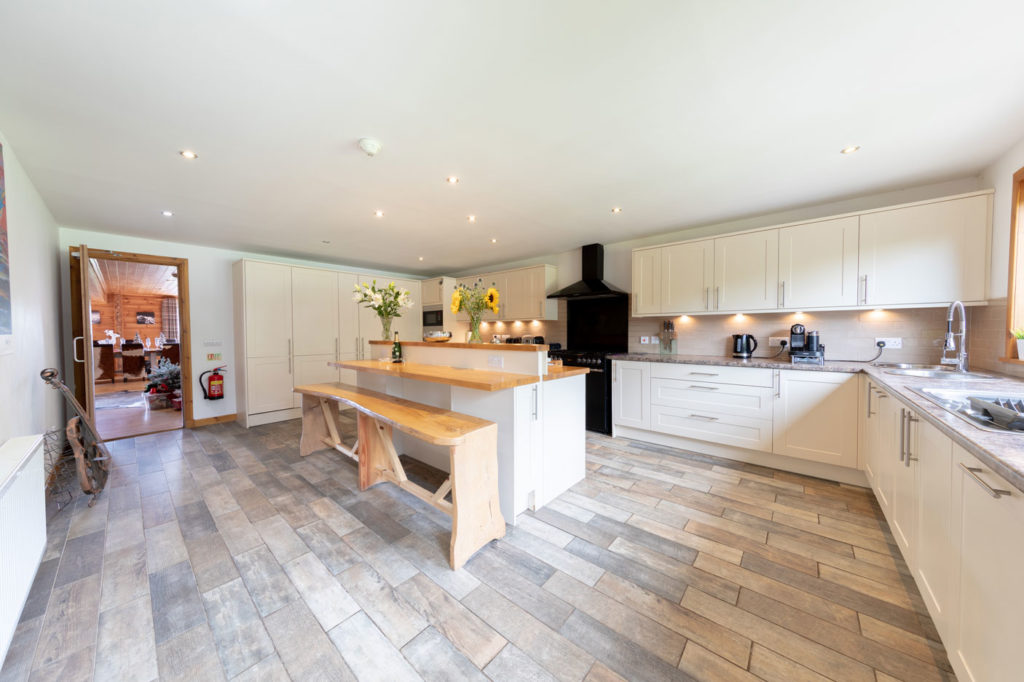 Kitchen-BigHusky_Luxury-Lodge-Aviemore-50