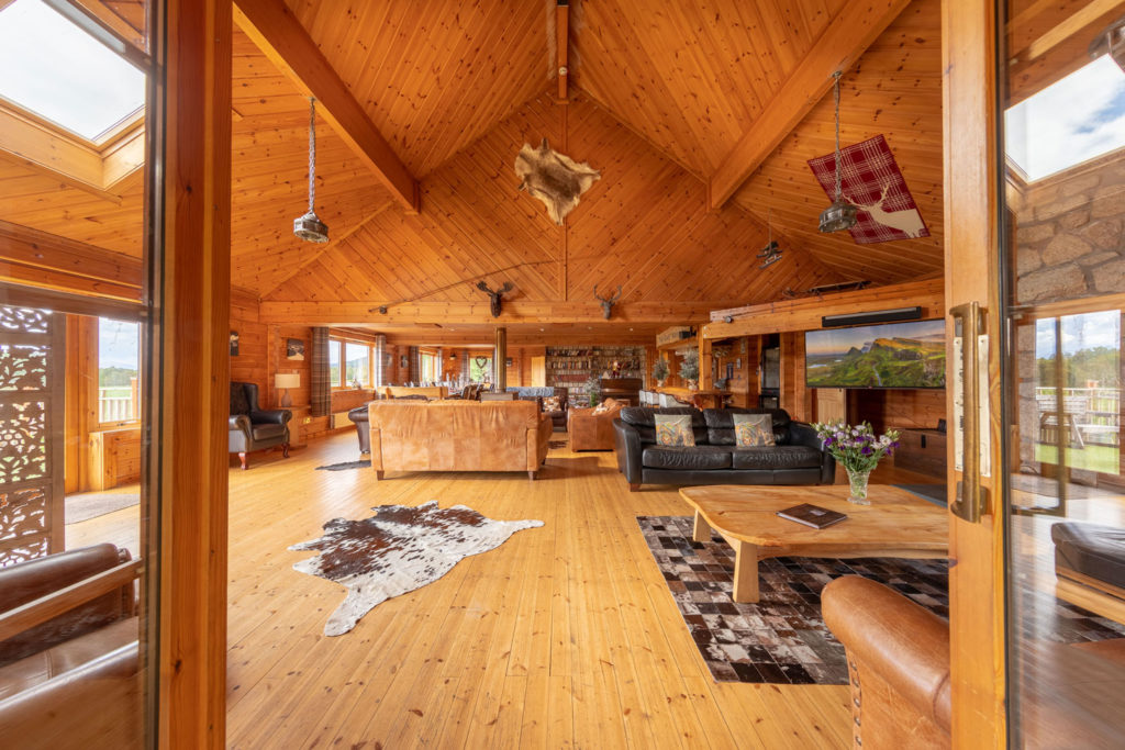 LivingArea-BigHusky_Luxury-Lodge-Aviemore-1