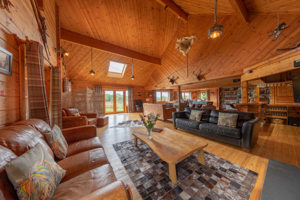 LivingArea-BigHusky_Luxury-Lodge-Aviemore-4