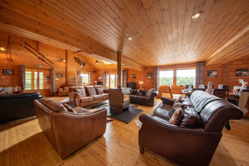 LivingArea-BigHusky_Luxury-Lodge-Aviemore-9