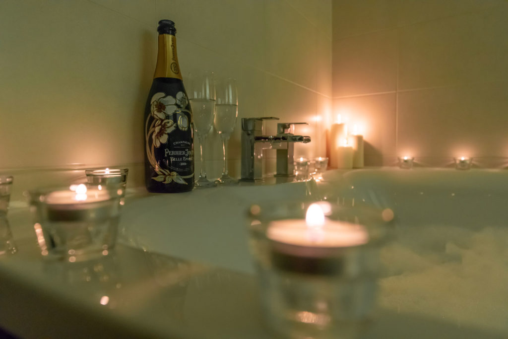 Spa-Hot-Tub-BigHusky_Luxury-Lodge-Aviemore-51